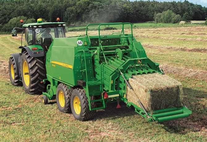 Large Square Balers Equipment Image