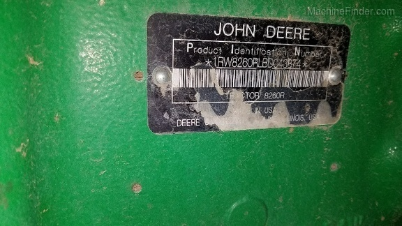2011 John Deere 8260R