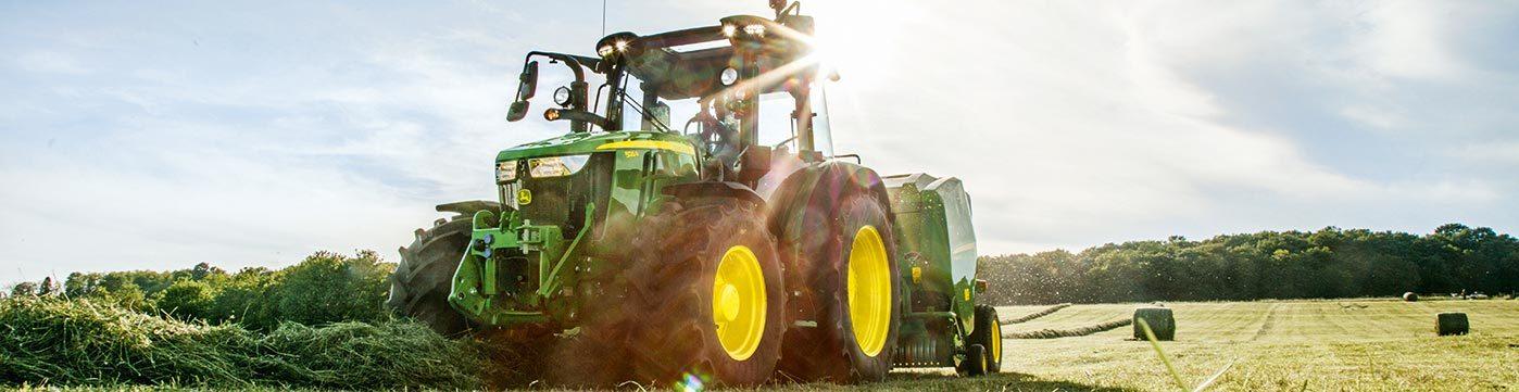 John Deere 5R Series Utility Tractors | Papé Machinery