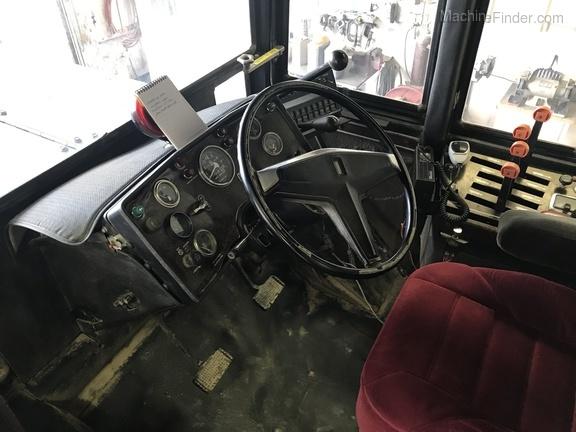 1978 Versatile 835