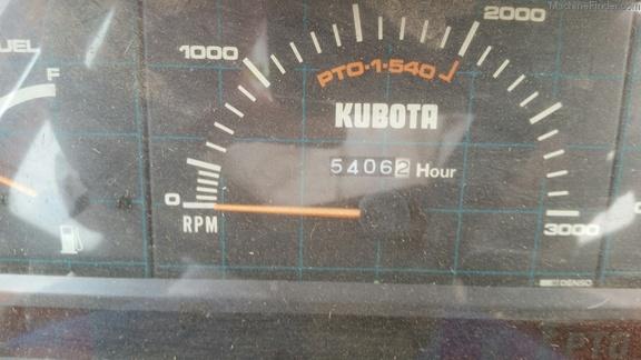 1990 Kubota M7030