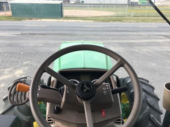 2018 John Deere 6120M