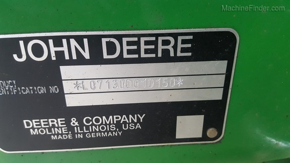 2009 John Deere 7130