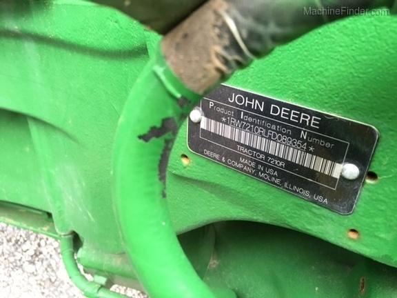 2016 John Deere 7210R