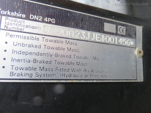 1999 Case C90