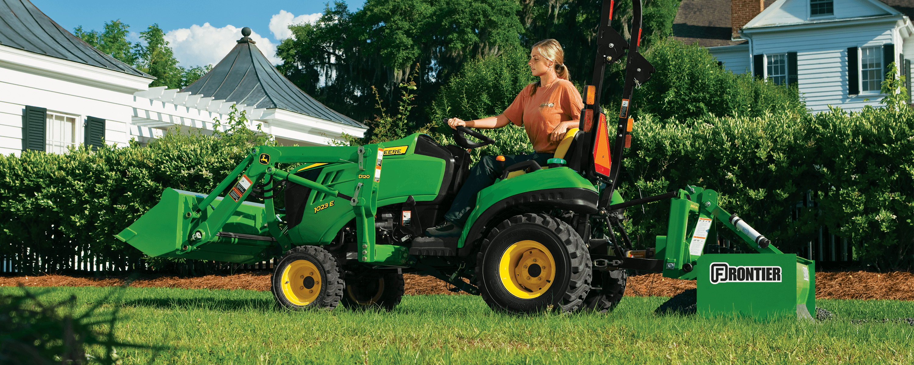 John Deere 1 Family Sub-Compact Tractor | Papé Machinery