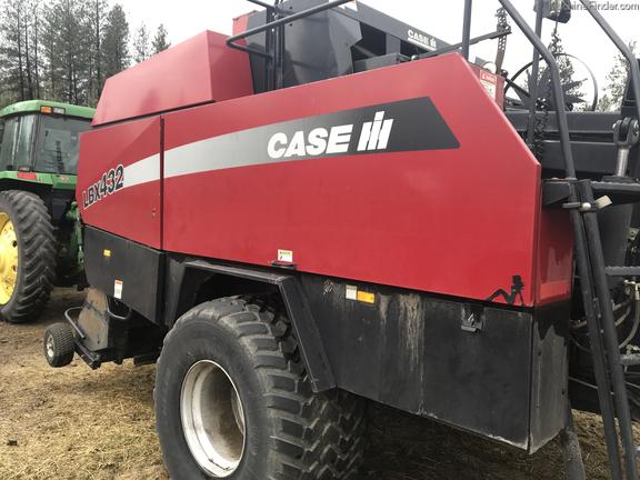 2005 Case LBX432