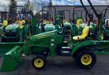 1023E Compact Tractor w/ Loader