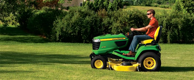 $500 Off X700 Series Mowers