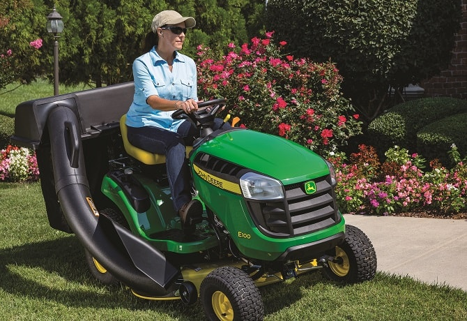 E100 Lawn Tractors Equipment Image