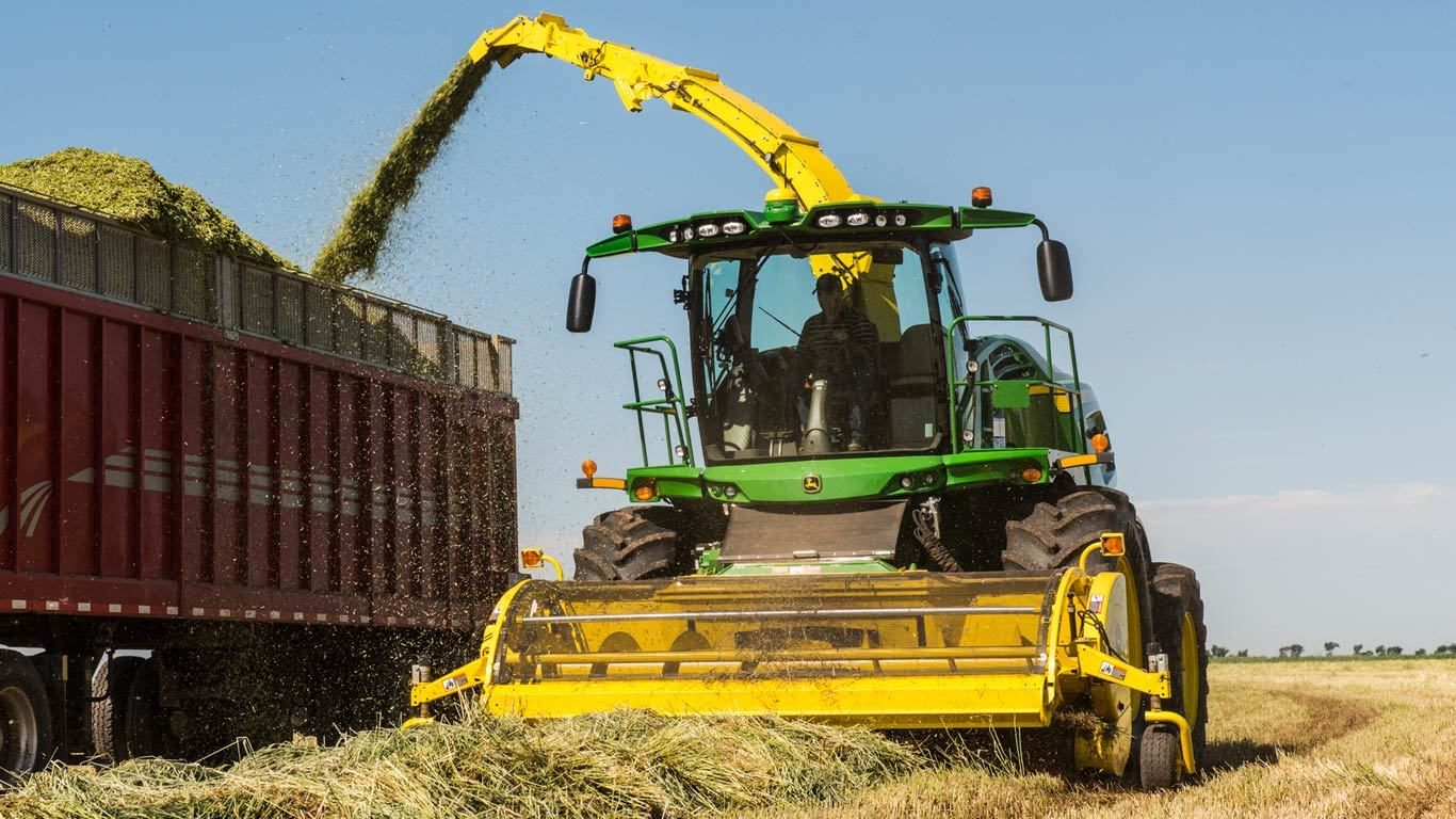 Self-Propelled Forage Harvester Heads and Pickups Equipment Image