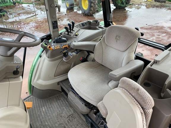 2019 John Deere 5100R