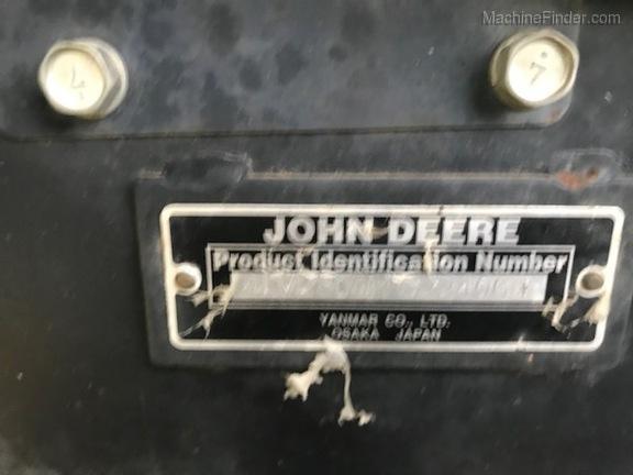 2010 John Deere 2305