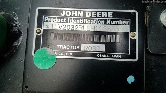 John Deere 2032R