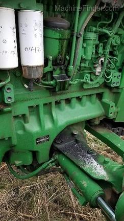 2012 John Deere 8260R