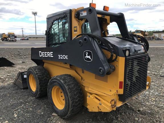2017 John Deere 323E