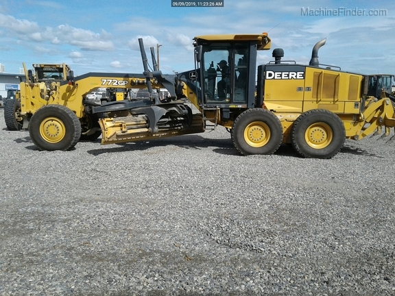 2012 John Deere 772GP