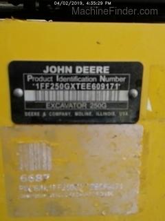 2014 John Deere 250GLC