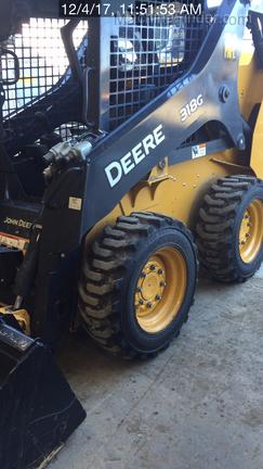 2016 John Deere 318G