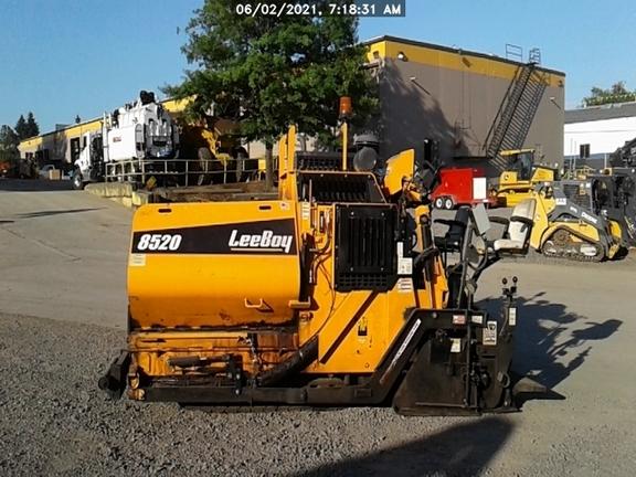 2017 Leeboy 8520