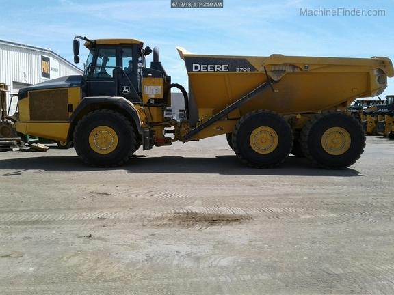 2017 John Deere 370E
