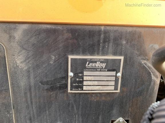 2019 Leeboy 8520