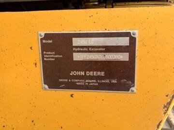 2014 John Deere 245GLC