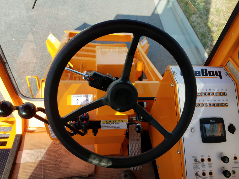 Leeboy Force Feed Loader 3000C