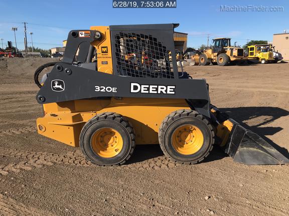 2018 John Deere 320E