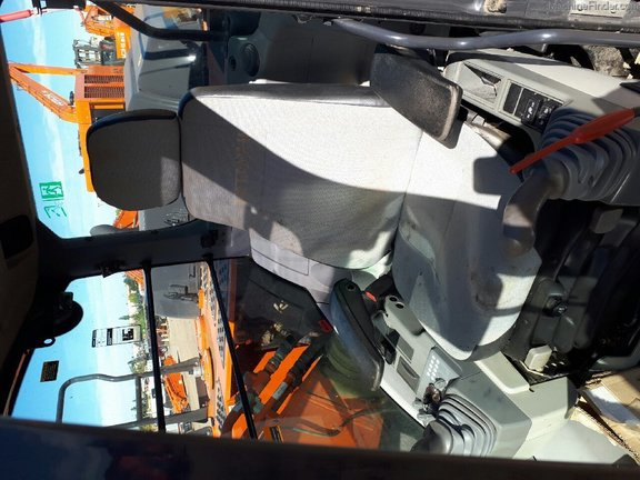 2016 Hitachi ZX250