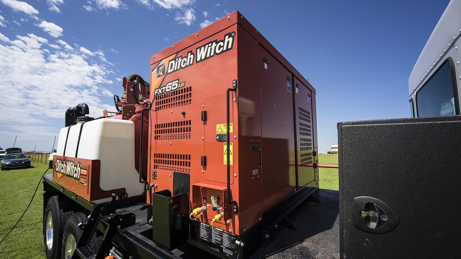 Ditch Witch FXT65 Air Vacuum Excavator