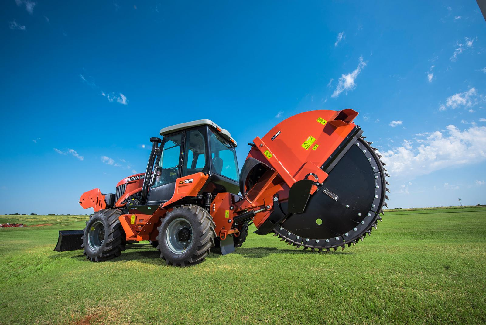 Ditch Witch RT125 RIDE-ON TRENCHER