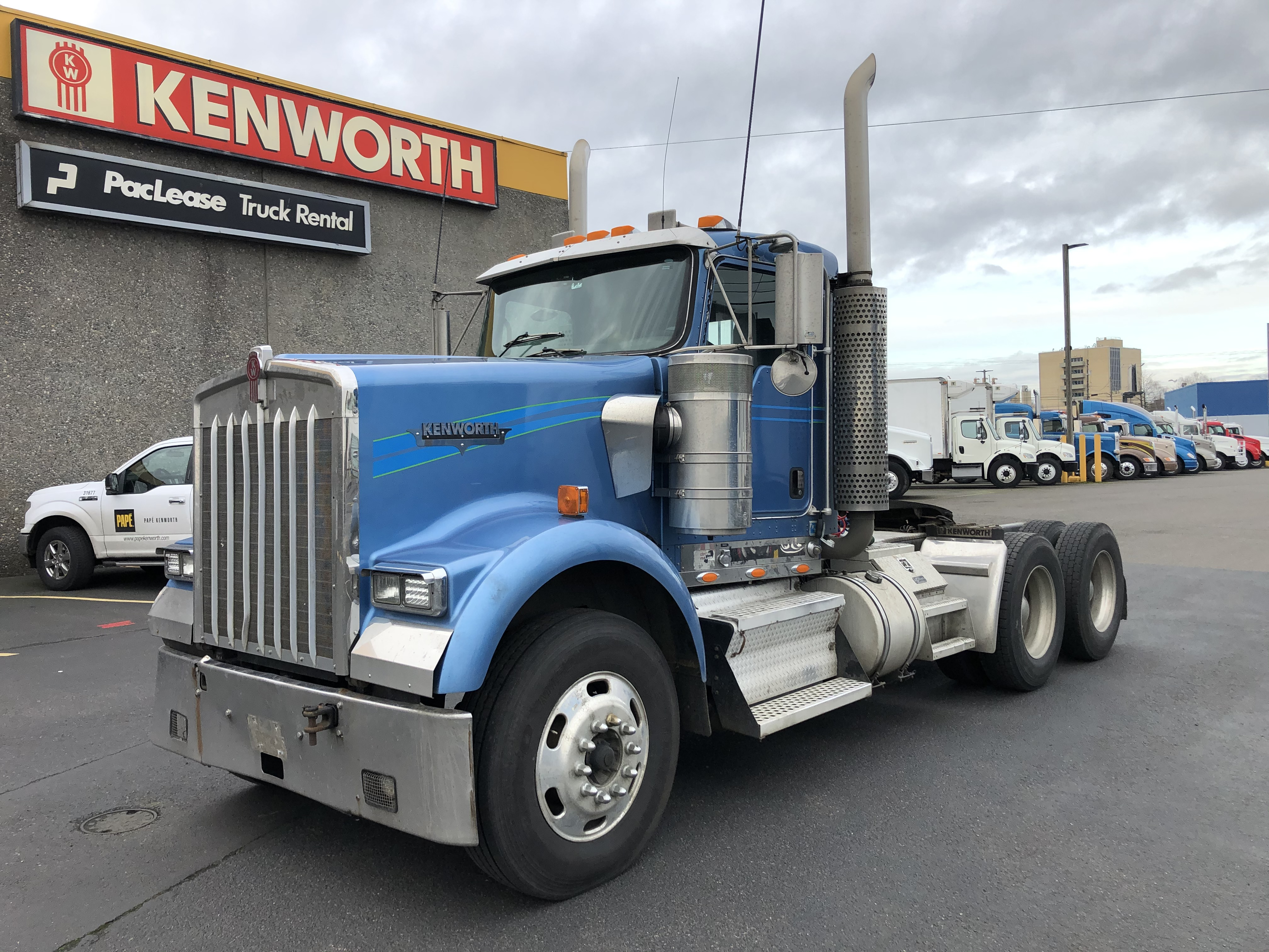 2007 Kenworth W900B