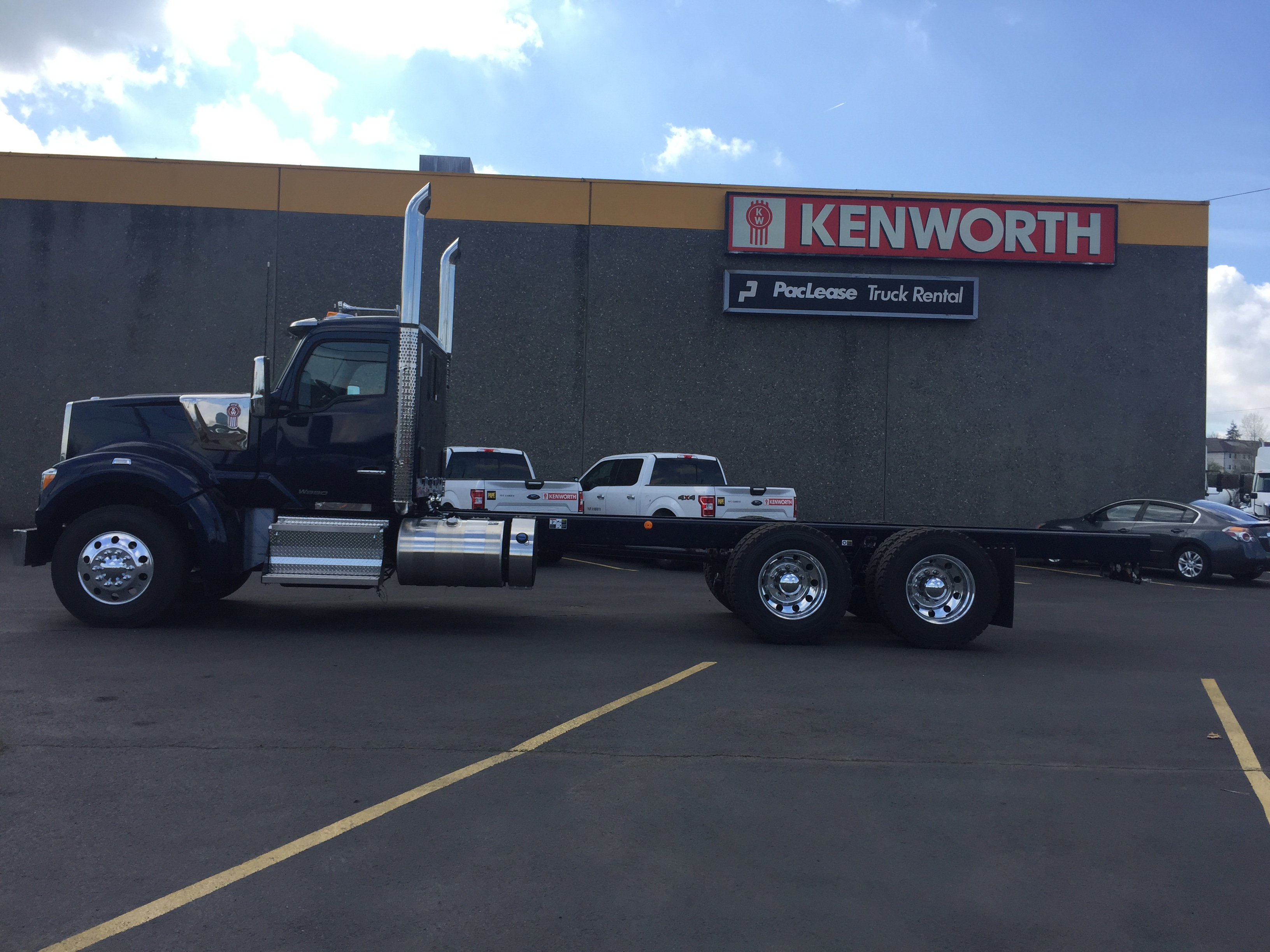 2020 Kenworth W990