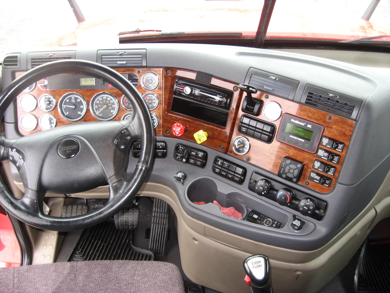 2009 Freightliner CA125