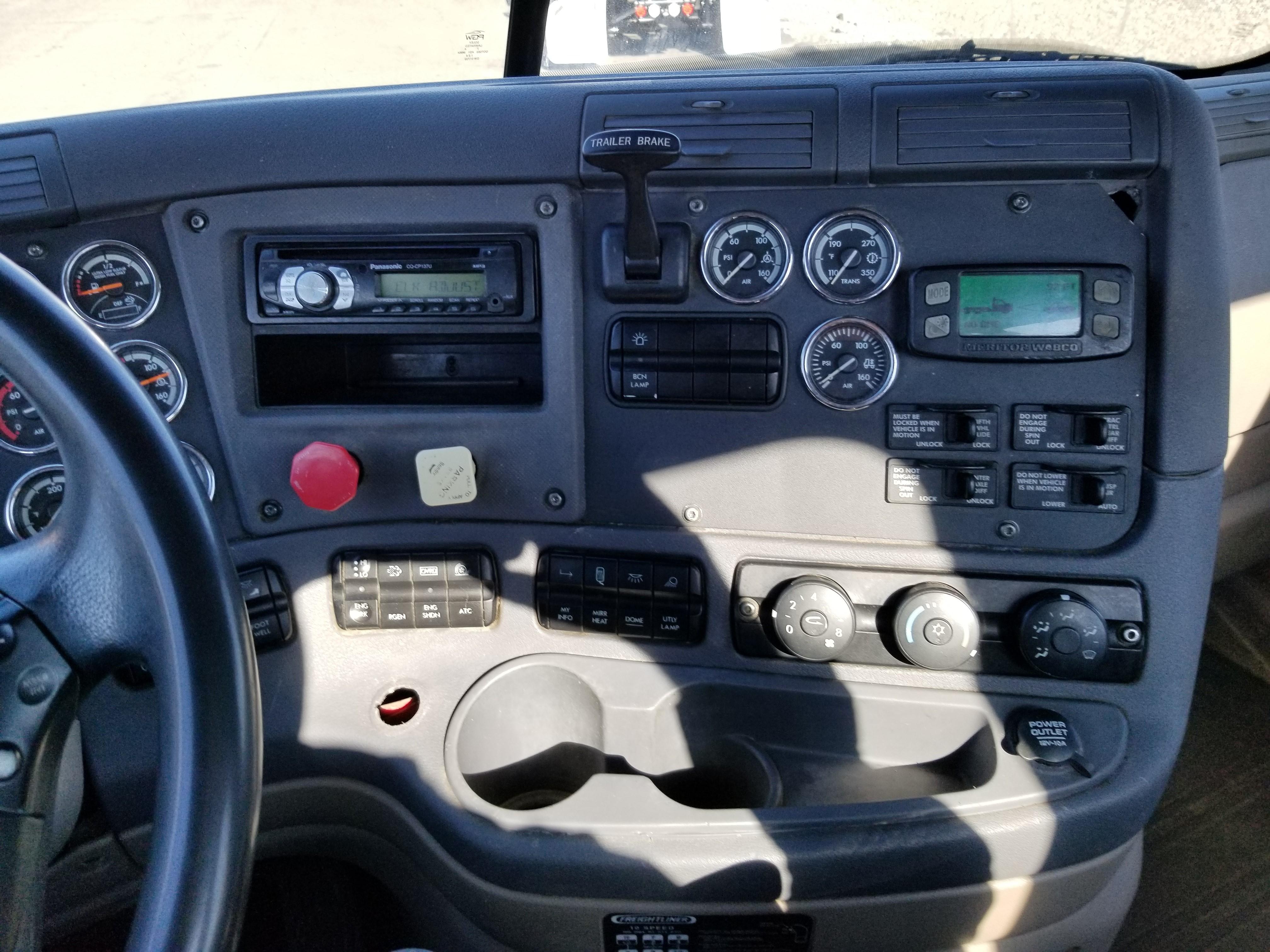2014 Freightliner CASCAD