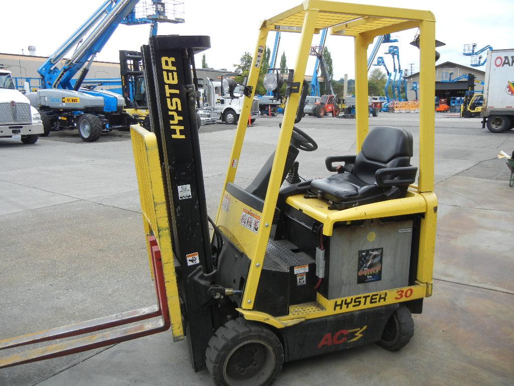 2010 Hyster E30Z