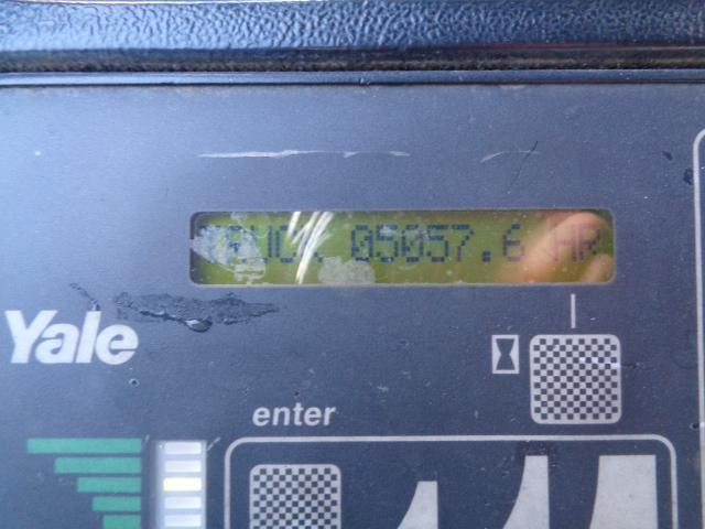 2006 Yale NR040