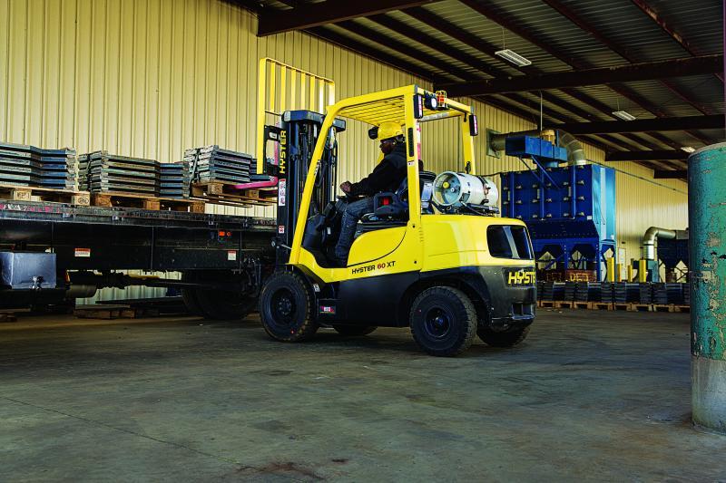 Internal Combustion Pneumatic Tire Trucks